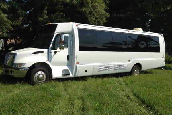 NJ Party Bus 28 Passengers